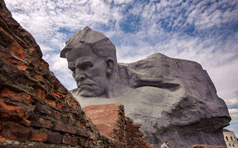 Брестская крепость - герой. Монумент