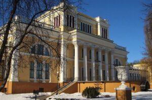 Дворец в Гродно зимой, достопримечательности