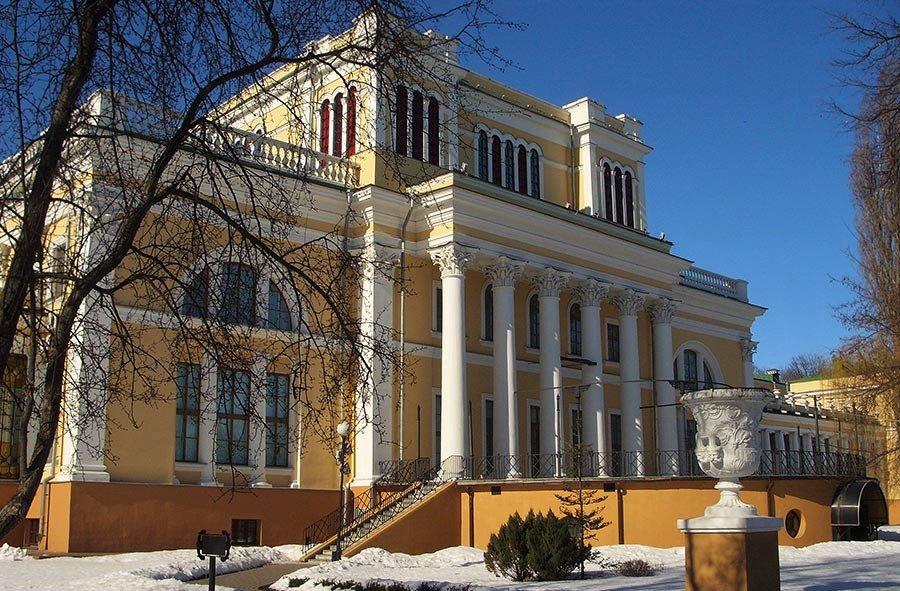 Дворец в Гродно зимой