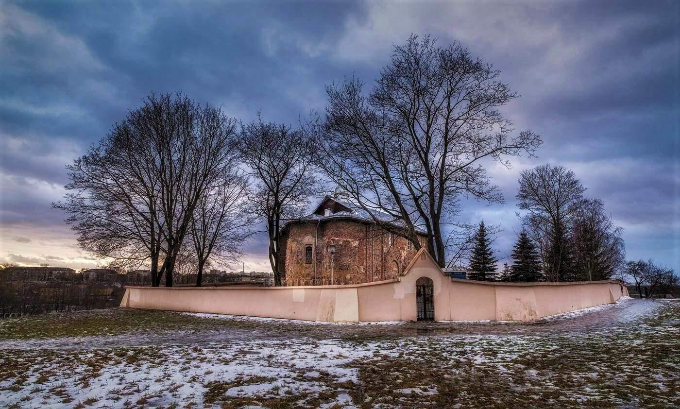 Kolozhskaya Church in Grodno in winter