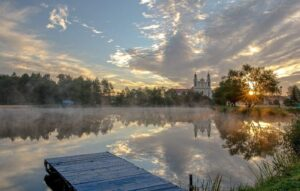 Lake and church in Belarus, trip planner