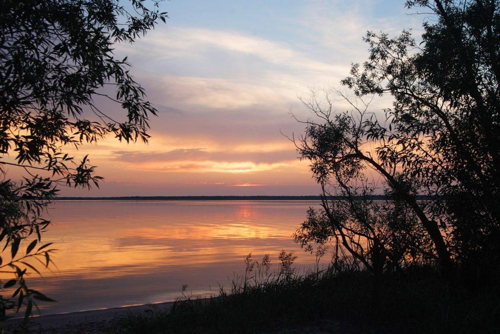 Природа Беларуси. Закат на озере