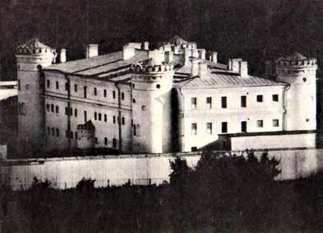 Пищаловский замок, интересные места Минска