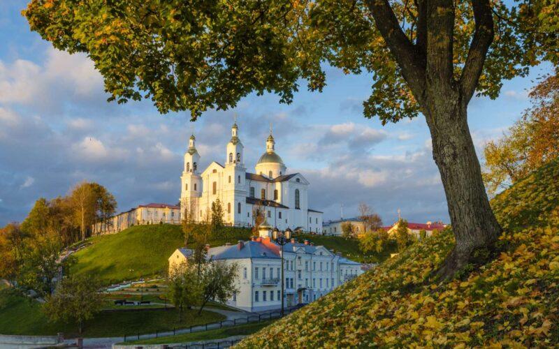 Софийский собор в Полоцке издали