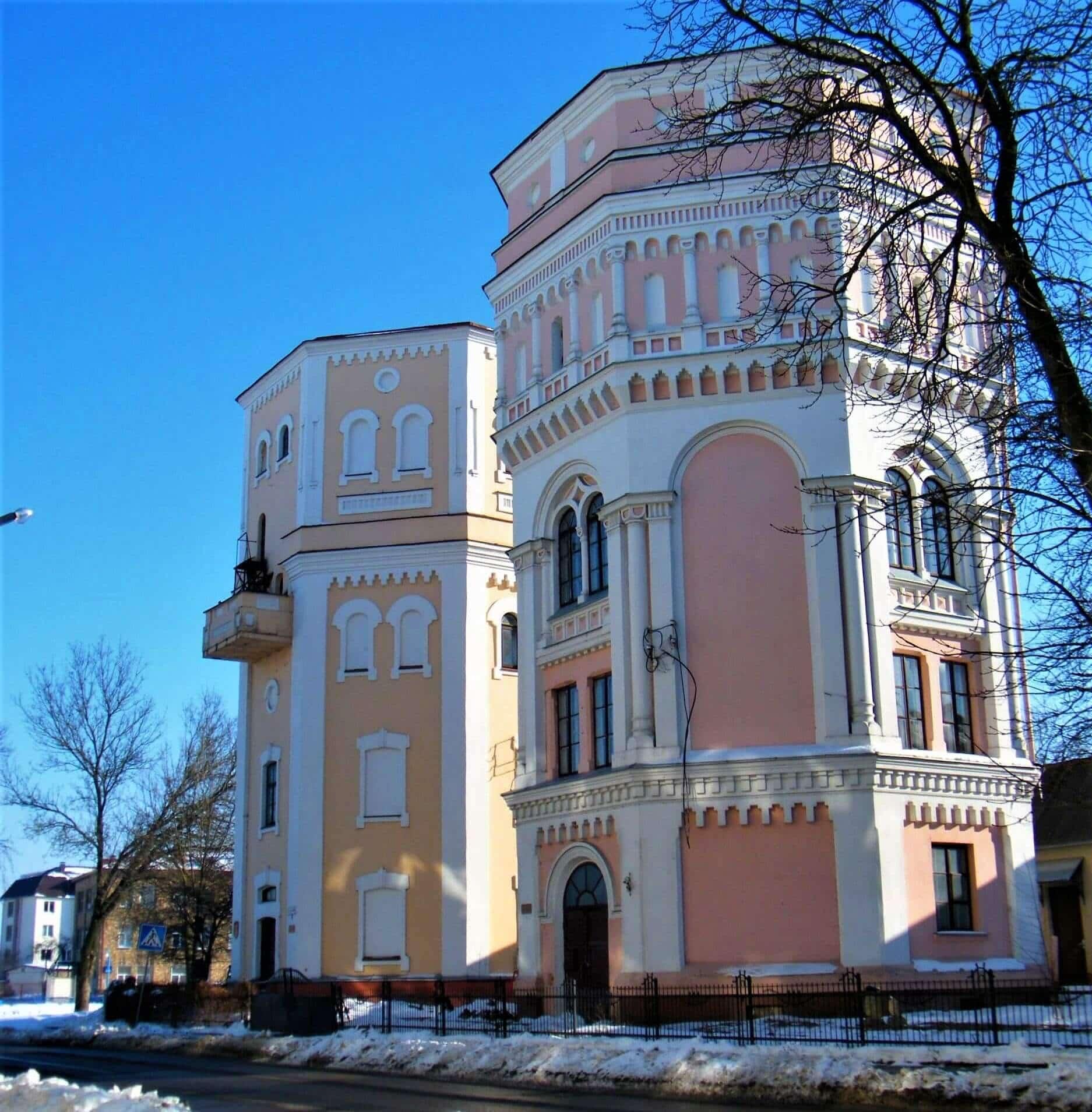 Водонапорные башни в Гродно зимой