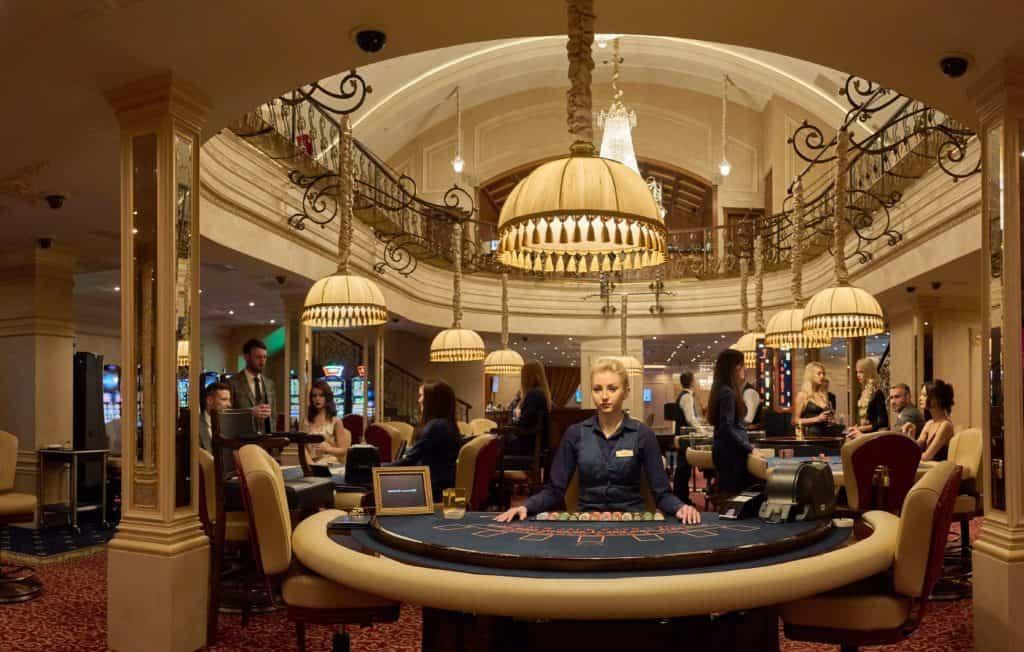 Казино при гостинице пекин играть карты тысячу