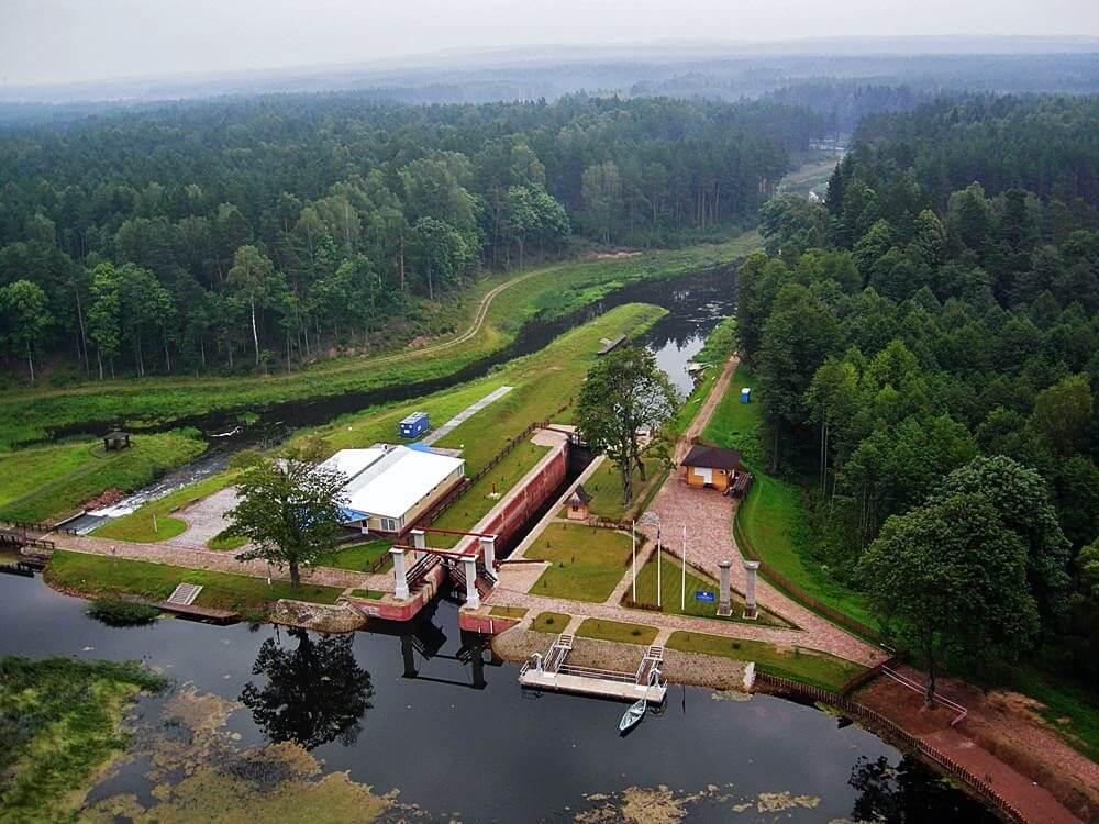 Отдых на Августовском канале, вид сверху