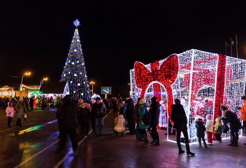 pobeda square in gomel during Christmas