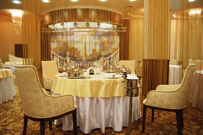 ресторан в отеле президент, гостиницы минск, новый год