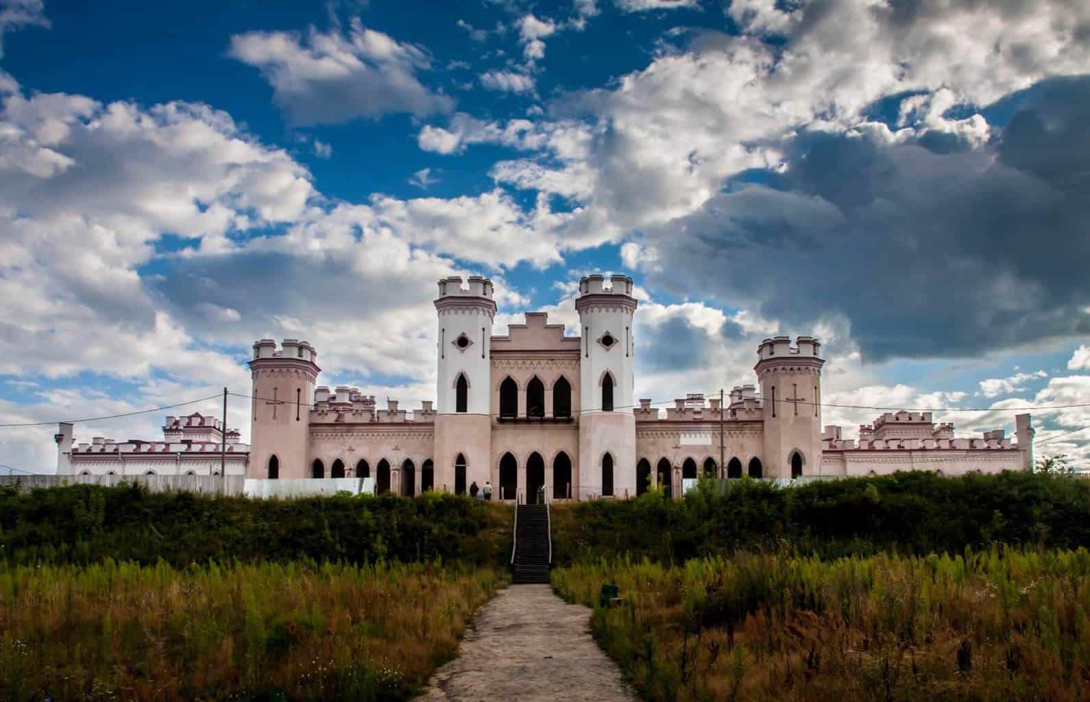 Дворец Пусловских в Коссово  Легенды и Как Посетить - Visit Belarus c1bb8de8727