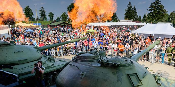 День танкиста в Минске в парке Победы