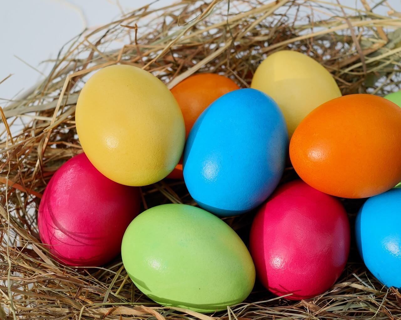 Eggs in the nest, easter traditions in Belarus