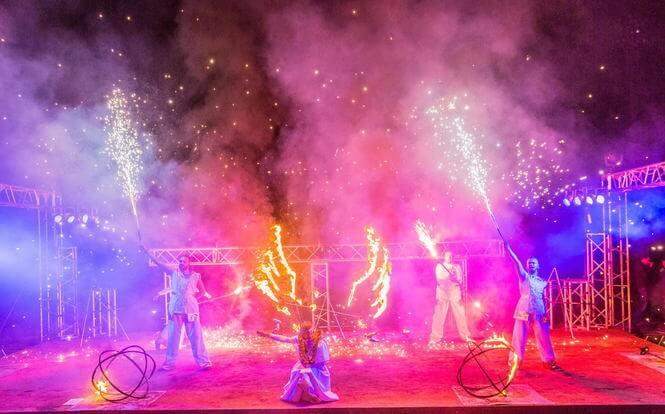 Огненное шоу на Fire Festival в Минске