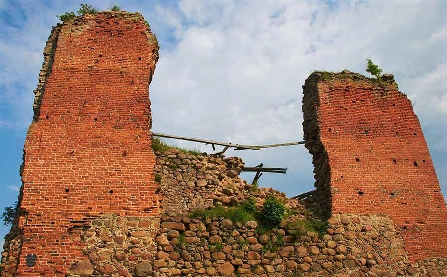 Кревский замок, руины