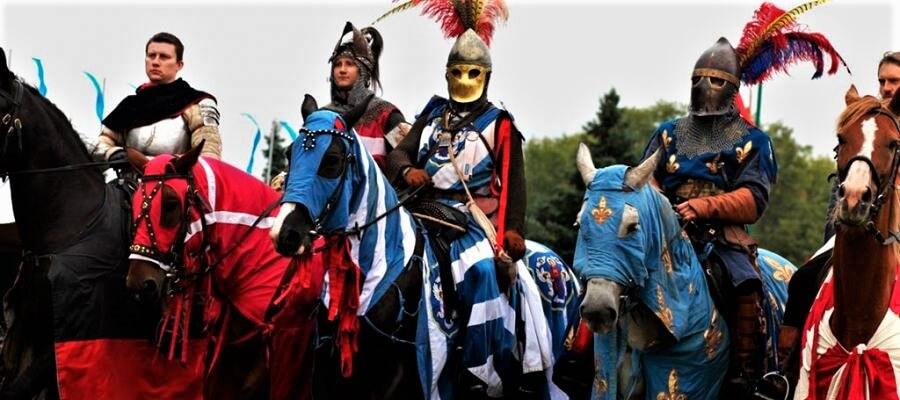 рыцари в праздник Менск Старажытны, фестиваль в Беларуси в сентябре 2018