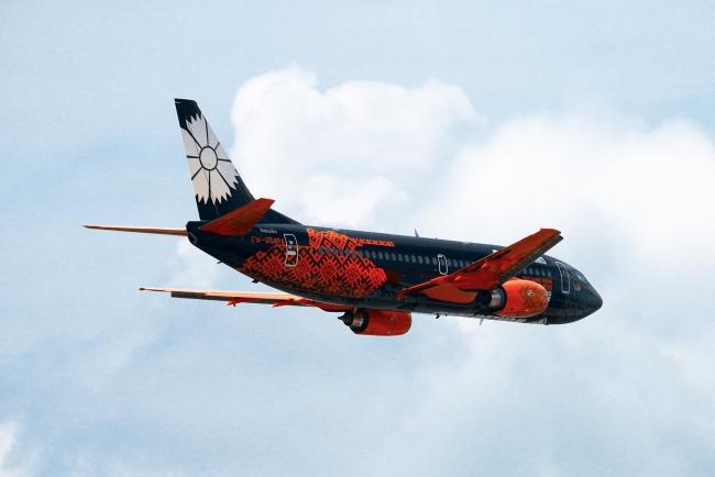 Самолет компании Белавиа в Минске