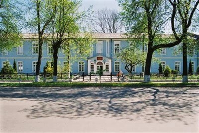 Slutsk Medical college from the outside, study medicine in Belarus