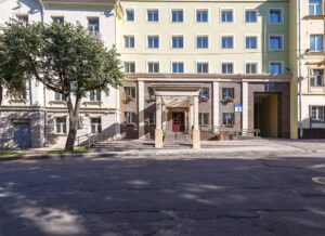 Polonez hotel in insk entrance