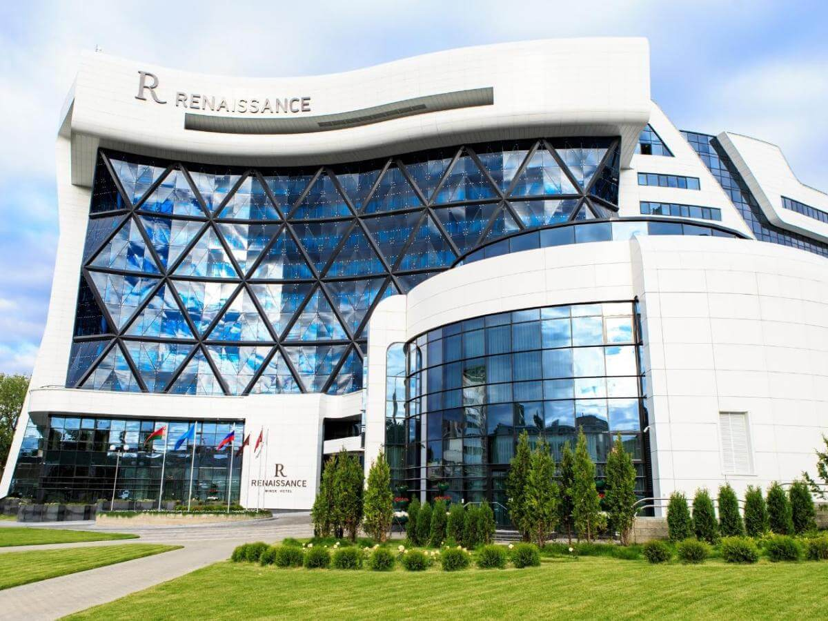 Futuristic Renaissance hotel in Minsk