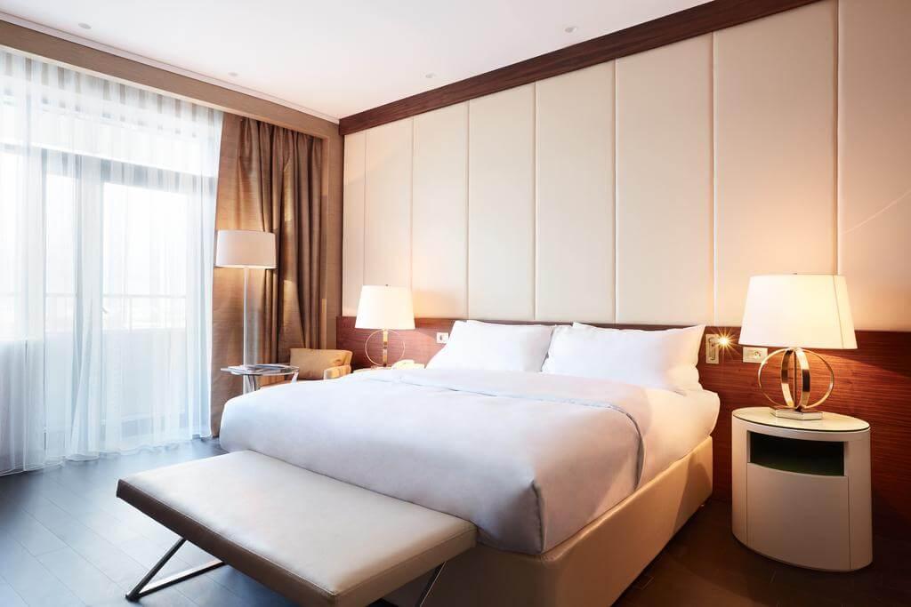 Renaissance hotel room in Minsk