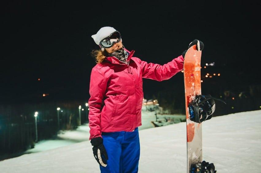 Night skiing, Logoisk
