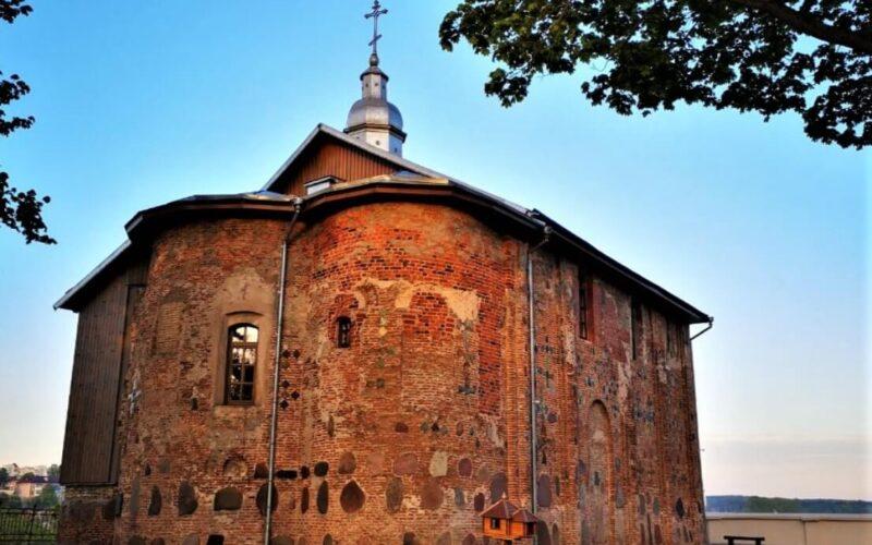 Коложская церковь в гродно на рассвете, достопримечательность Гродно